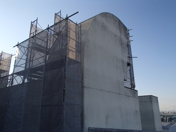 大池ポンプ場:超音波振動剥離工法を実施